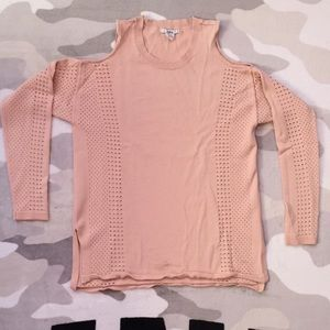 🛍$13 IF BUNDLE. Open shoulders perforated sweater